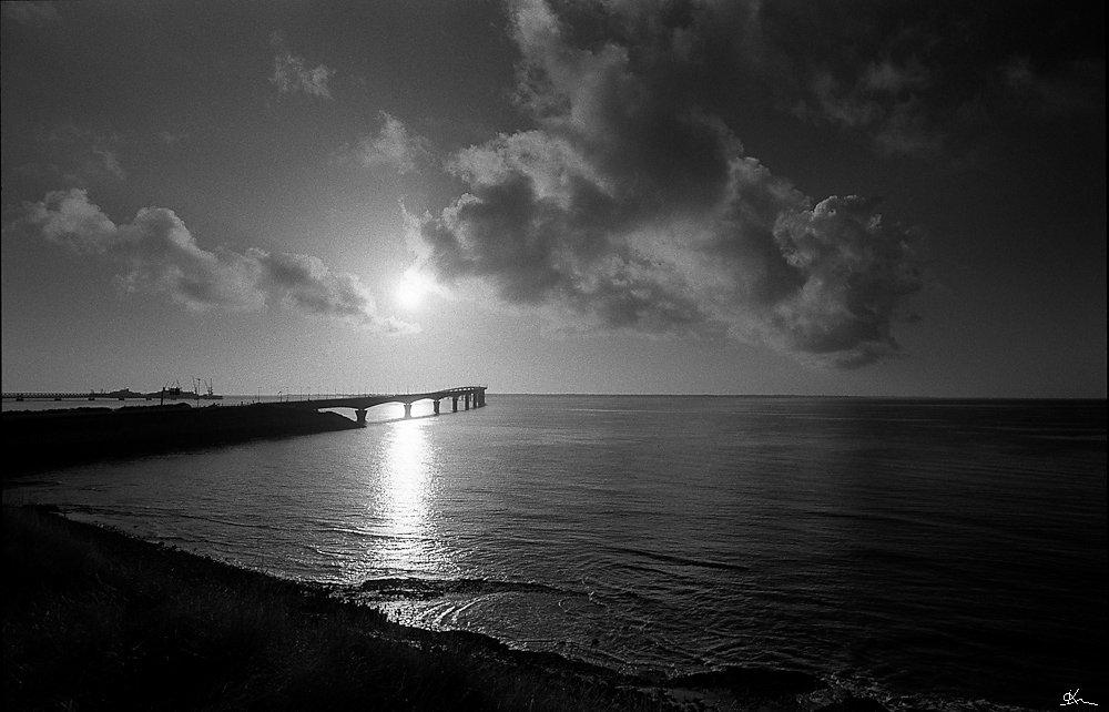 Le pont et le nuage